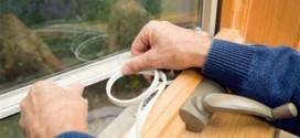 Как выбрать самоклеющийся утеплитель для окон и правильно наклеить его — инструкция